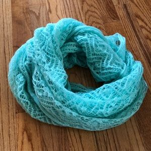 Grace and Lace skit infinity scarf MINT